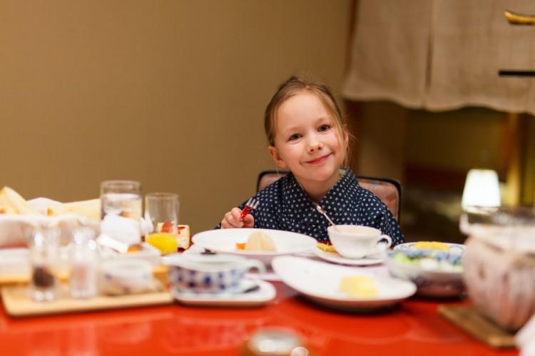 43d59fbdaa4 미취학아동의 숙박요금은 이불을 사용하느냐, 식사를 어떻게 하느냐에 따라서 정해집니다. 어린이만 따로 이불을 사용하려 하면 이불비용이  추가로 들고, ...